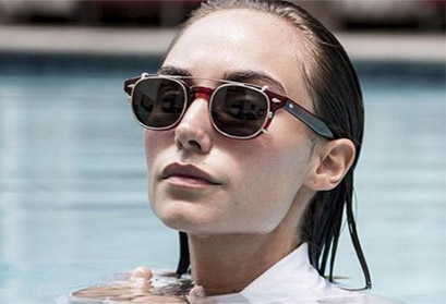 Moscot Sunglass on woman